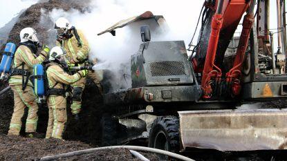 Bandenkraan vat vuur in recyclagepark