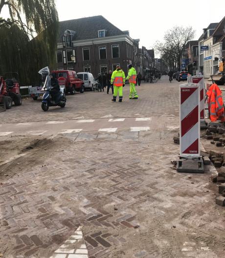 Stopverbod genegeerd: verkeersregelaar aangereden