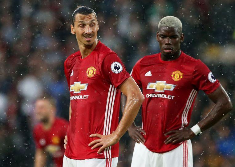 Pogba (rechts) naast Zlatan Ibrahimovic.