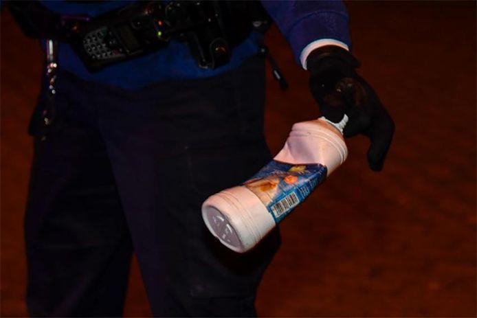 De beklaagde bedwelmde de agenten met ammoniak. (illustratiebeeld)