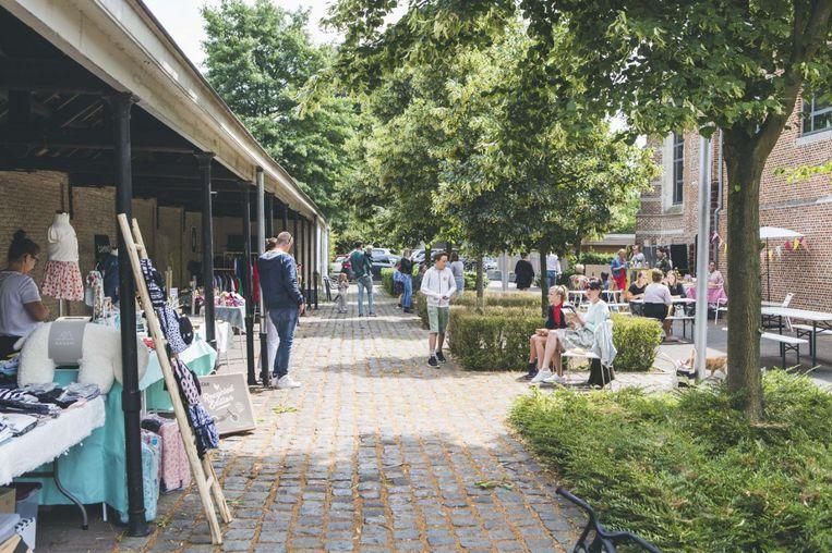BAR AMI is een gezellige, hippe markt rondom de Torekeschool in Herenthout.