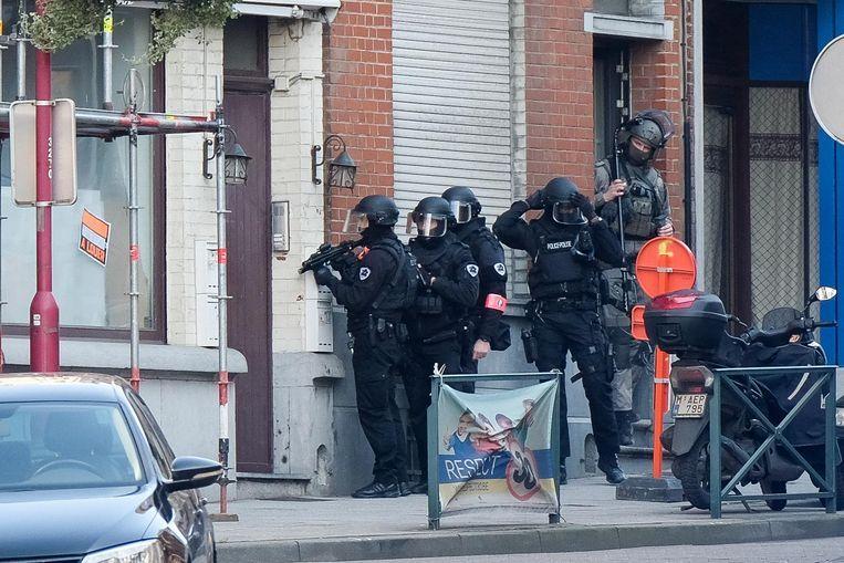 Een speciale eenheid van de federale politie trof het slachtoffer aan in een pand in Sint-Gillis.