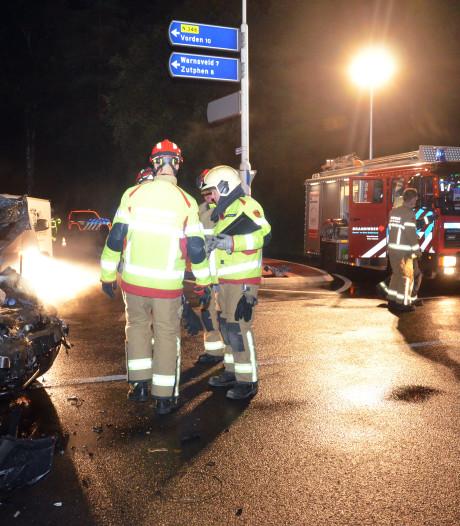 Drie gewonden bij botsing beruchte kruising N346 tussen Warnsveld en Lochem