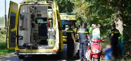 Scooterbestuurder met hoofdletsel naar het ziekenhuis na val in Breda