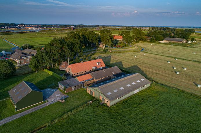 Dit is de boerderij aan de Zwartendijk in Kampen waar Jaap Boersma en Gea Overweg een kleinschalige woongemeenschap willen opzetten voor mensen in de knel. Richard Kramer had er echter ook plannen, die voelt zich buitenspel gezet door toedoen van de gemeente Kampen.