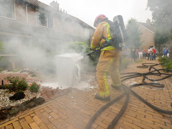 Wasdroger vat vlam op bovenverdieping van woning in Waalre