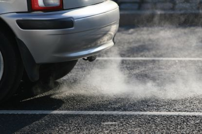 Greenpeace en BBL roepen op om auto-industrie te laten betalen voor betere luchtkwaliteit