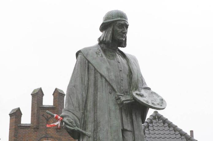 Het standbeeld van Jeroen Bosch op de Bossche Markt.