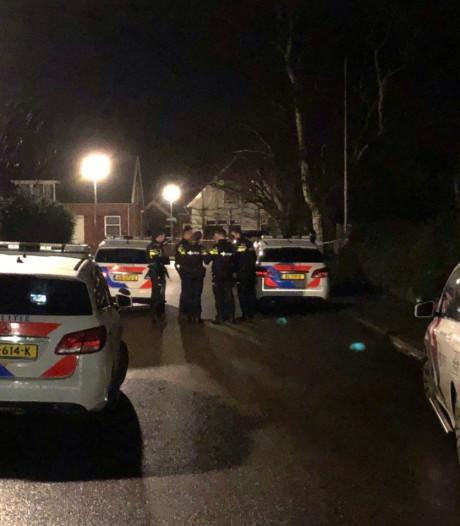 Politie met kogelwerende vesten bij incident in Eibergen