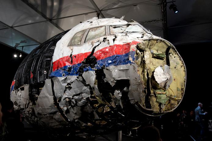 Het gereconstrueerde wrak van vlucht MH17.