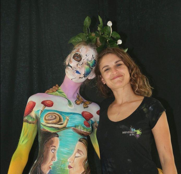 Ellen Devos met model Céline De Cloet.