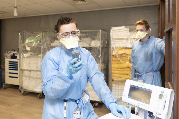 135 Twentenaren zijn met het coronavirus in het ziekenhuis beland.