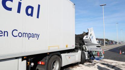 VIDEO. Twee ongevallen zorgen voor grote hinder op E19