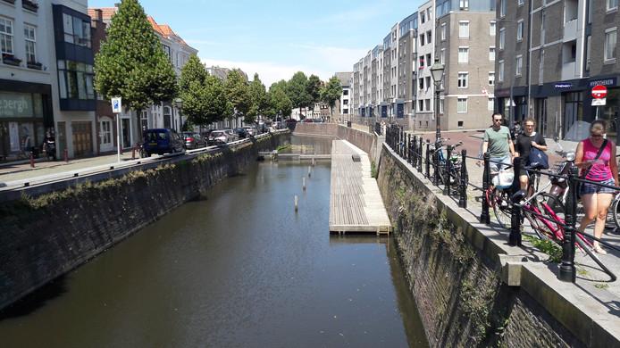 De Kring Vrienden van 's-Hertogenbosch wil de opstapplaats voor vaartochten over de Binnendieze verplaatsen van de Molenstraat naar de Visstraat, maar hierover is nog discussie met de gemeente gaande.