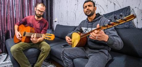Niet bang meer voor de cel, maar vrij om te zingen: muziek verbroedert in Bergen op Zoom