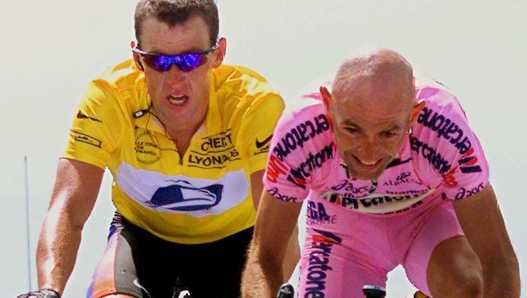 Wielrenners Lance Armstrong en (de inmiddels overleden) Marco Pantani in 2000. Beeld afp