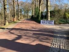Bewoners willen 'motormuizen' van Posbank weren met spandoeken
