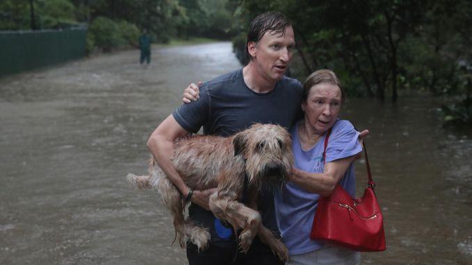 Catastrofale overstromingen in Houston na doortocht Harvey