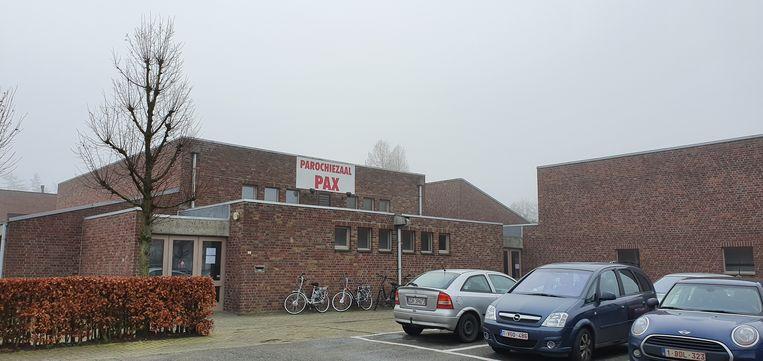 De zaal Pax zal afgebroken worden en plaatsruimen voor een nieuw cultuurhuis. De toekomst van het achterliggende Heilig Bloedpark is onzeker.
