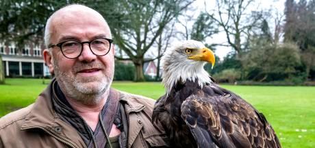 'Oud baasje' Harly, vaste mascotte van GA Eagles, vliegt nu alleen zijn rondjes in Rijssen