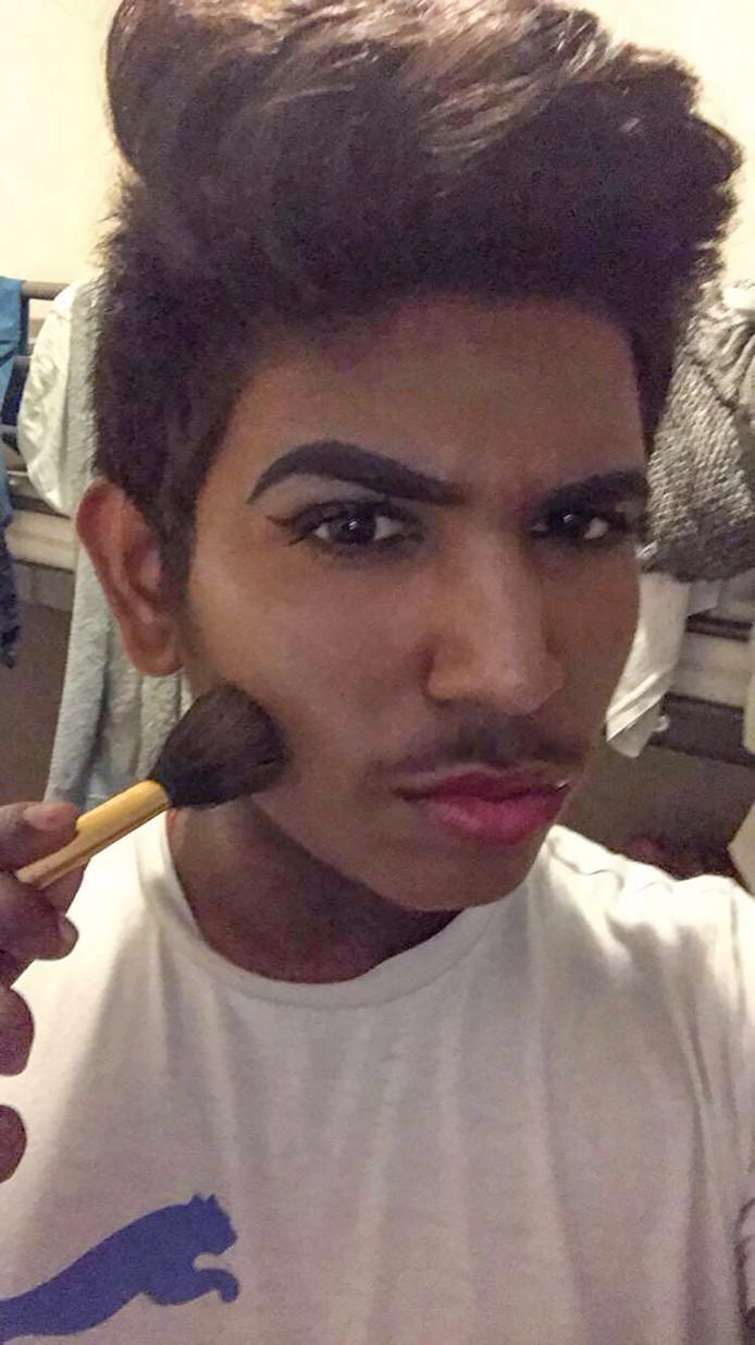 Tarukshan Selvam (15) werd gepest om zijn biseksuele gevoelens en koos voor de dood © Privéfoto