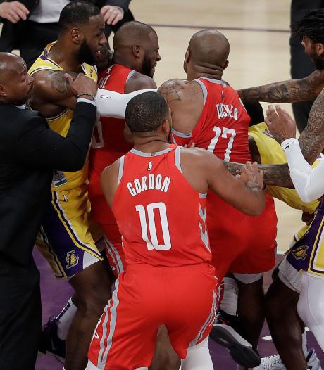 NBA deelt schorsingen uit na vechtpartij
