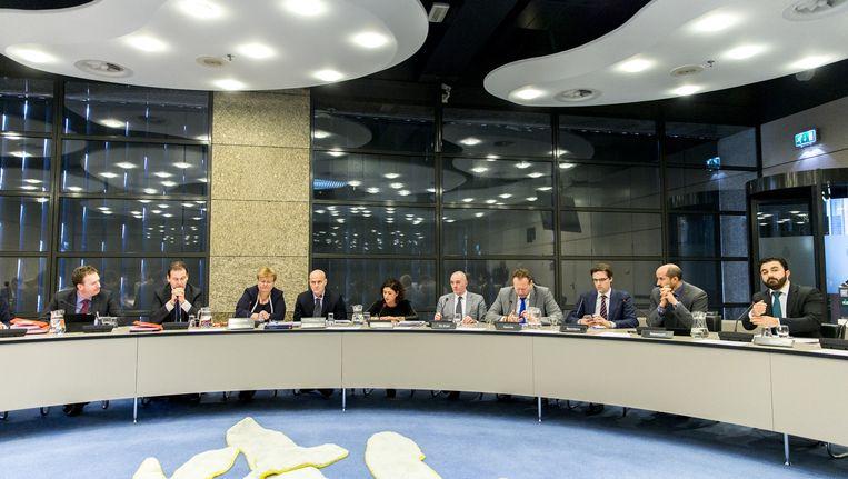 Lodewijk Asscher donderdag tijdens een algemeen overleg in de Tweede Kamer over de preventie van radicalisering. Beeld anp