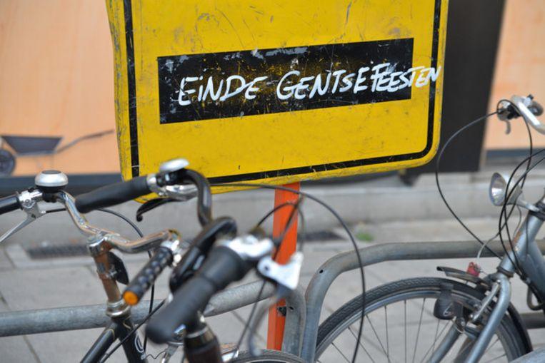 De extra fietsenstallingen voor de Gentse Feesten worden vandaag weggenomen.