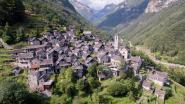 Idyllisch Zwitsers bergdorpje wordt omgevormd tot hemels hotel
