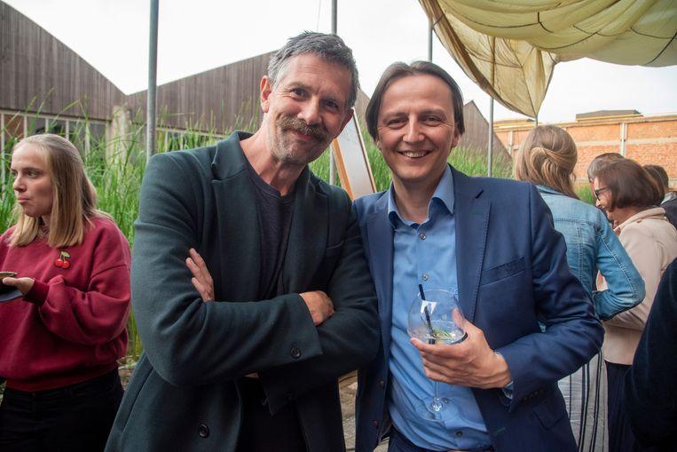 Acteur Johan Heldenbergh en Kenneth Taylor tijdens de lancering van D-Day Gin Gold edition.