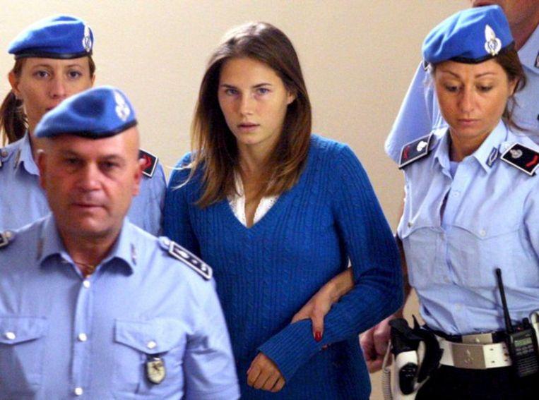In de Italiaanse media is een enorme hype ontstaan rond Amanda Knox (foto), die wordt afgeschilderd als 'een meisje mooi als een engel', maar die mogelijk van de duivel is bezeten. Foto EPA/Pietro Crocchioni Beeld