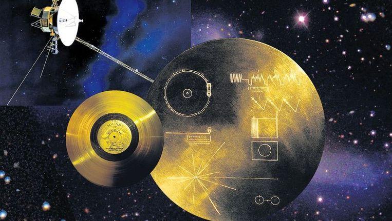 De vergulde platen met informatie. over de aarde, bestemd voor buitenaards leven. Beeld Trouw