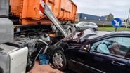 Bestuurder rijdt frontaal in op vrachtwagen
