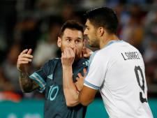 Messi en Suárez houden elkaar in omstreden oefenduel in evenwicht