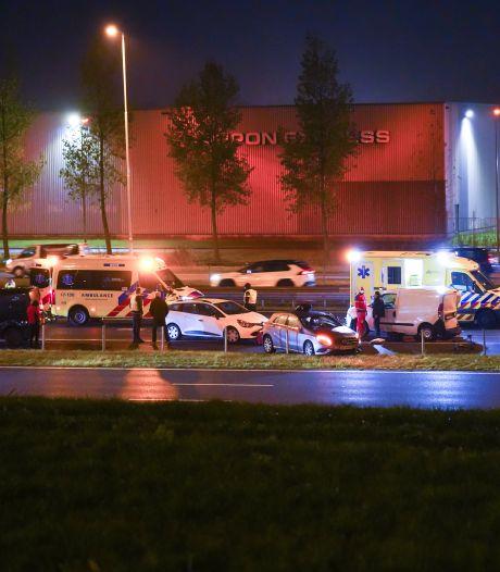 Zeker vijf auto's betrokken bij groot ongeval op de A15