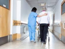 Leger komt helpen in door corona getroffen verpleeghuis in Huizen