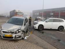 Flinke schade bij ongeval op 's-Gravenzandseweg in Wateringen