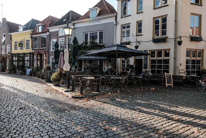 Café Caldo E Freddo in Doesburg, dat met sluiting bedreigd wordt wegens 'slecht levensgedrag'van de uitbater.