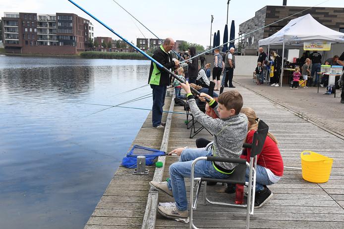 Visvereniging HSV De Maas organiseert een visdag voor de jeugd.