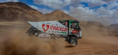 Monteur uit Olst valt gewond uit tijdens Dakar Rally: 'Dat was een beste klap'