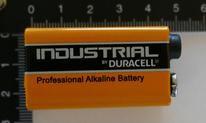 De afperser gebruikte batterijen van het merk Industrial by Duracell.