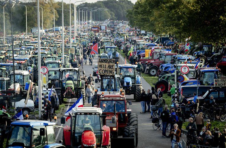 Eerder deze maand protesteerden boeren bij het RIVM tegen de stikstofmetingen. Beeld ANP
