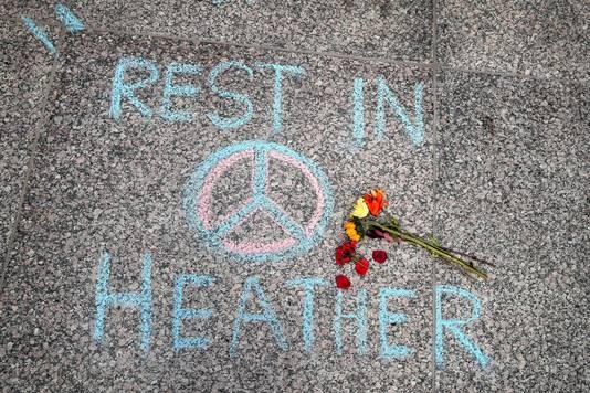 Een steunbetuiging aan het adres van Heather Heyer, de 32-jarige vrouw die omkwam bij de aanslag in Charlottesville