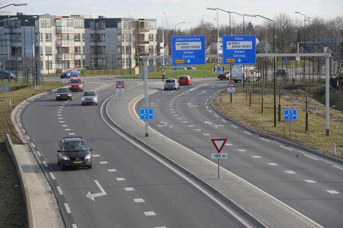 Het gros van al het verkeer op dit deel van de N264 moet in Uden zijn.