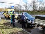 Auto botst op busje in Breda: wagen  beschadigd, bestuurster ongedeerd