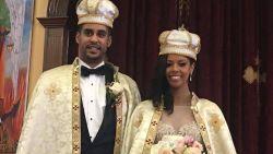 """Amerikaanse vrouw trouwt met Ethiopische prins: """"Ik leerde hem stomweg in discotheek kennen"""""""