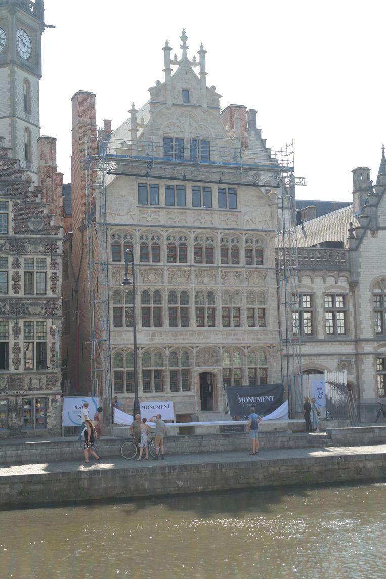 De gevel van het Huis van de Vrije Schippers is gerenoveerd.