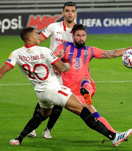 Giroud schittert met vier goals tegen Sevilla
