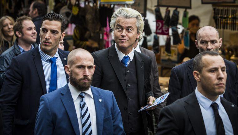 PVV-leider Wilders op campagne: een meester in het ontregelen van de politiek. Beeld Freek van den Bergh