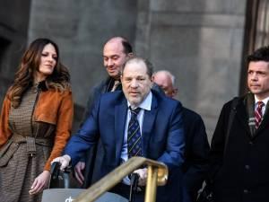 """""""Croyez les femmes, condamnez Weinstein"""""""